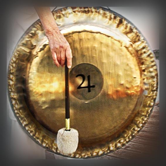Mia Milinasem gong